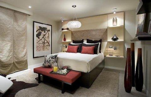 Dormitorio matrimonial de Candice Olson ROJO Y CREMA