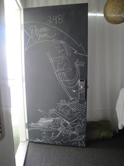 DORMITORIOS CON GRAFFITTI DECORACION CON GRAFITI