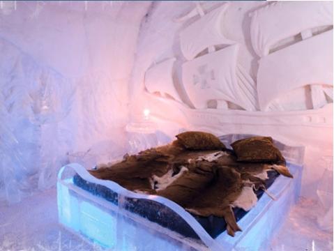 DORMITORIOS DE HIELO DEL QUEBEC ICE HOTEL BEDROOMS